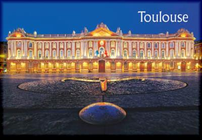 magnet toulouse place du capitole de nuit. Black Bedroom Furniture Sets. Home Design Ideas